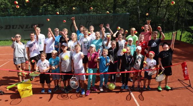 Erfolgreiches Tenniscamp mit 28 Kindern und Jugendlichen